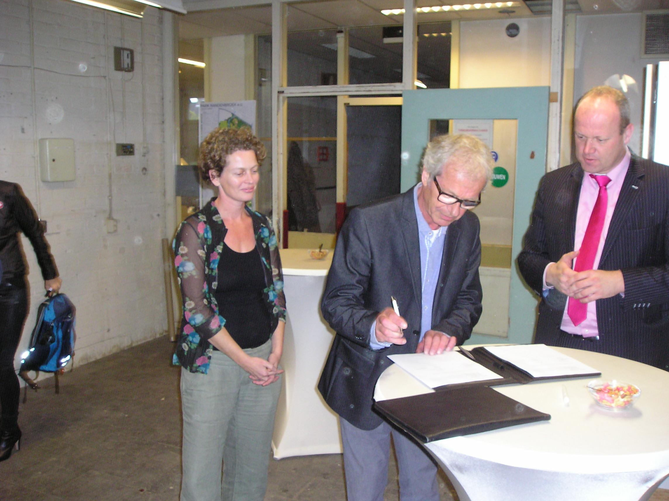 Elisabeth Groen tekent voor samenwerking